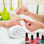 Come decorare le proprie unghie