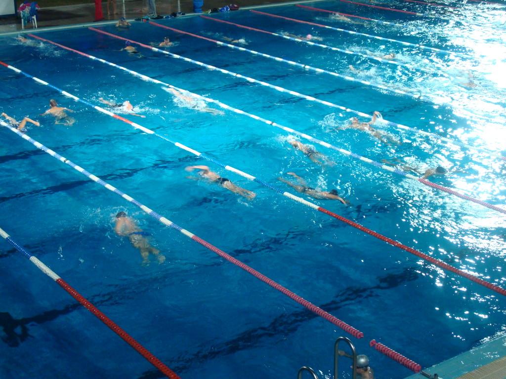 La scelta del costume da bagno per il nuoto quali aspetti for Bagno della piscina