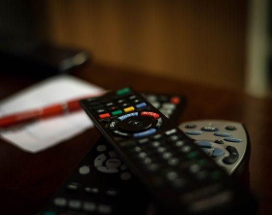 remote-control-932273_960_720
