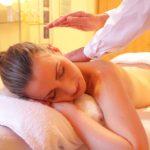 La sensualità new age del massaggio californiano