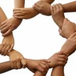 L'assicurazione per il volontariato di donne e uomini generosi