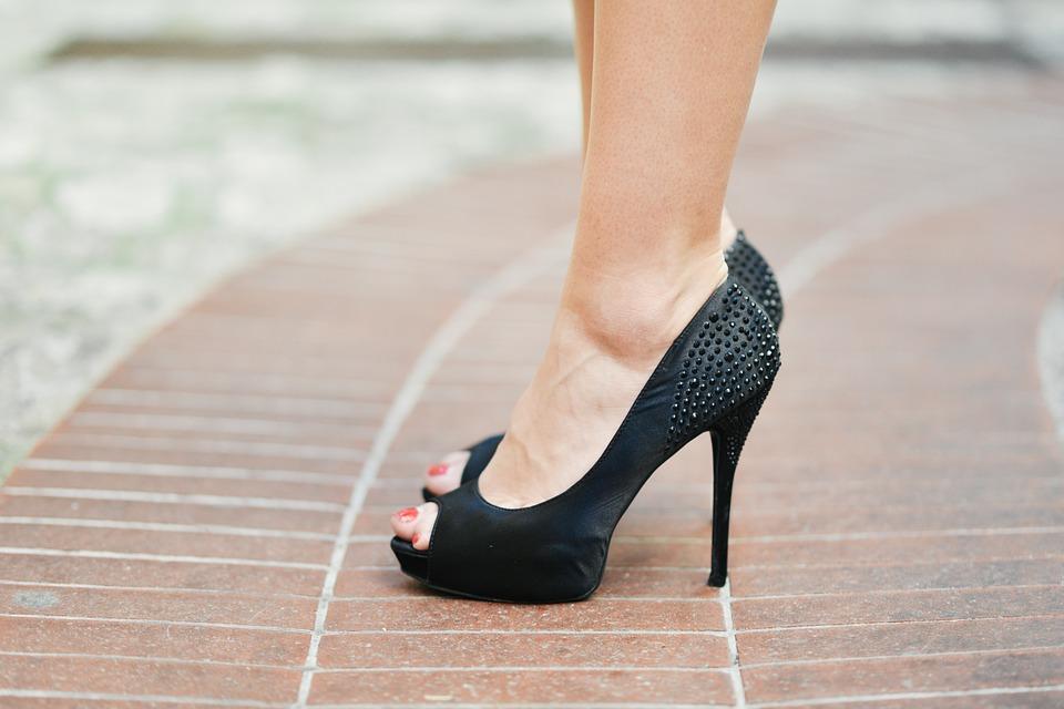 Scarpe decolté le calzature femminili per tutte le stagioni ... 8362c476676