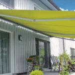 Come scegliere una buona tenda da sole in città per gli spazi aperti